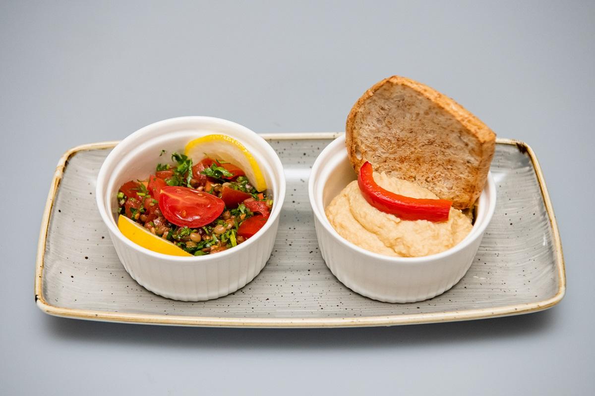 Humus si salata Tabouleh